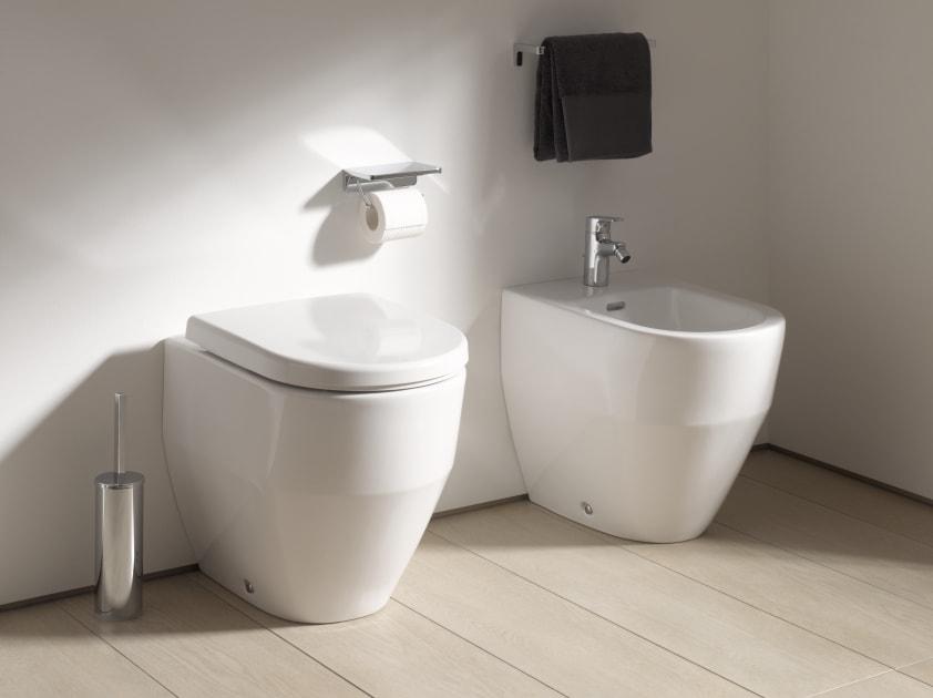 stand wc tiefsp ler mit sp lrand abgang waagerecht senkrecht stand wc wc produkte laufen. Black Bedroom Furniture Sets. Home Design Ideas